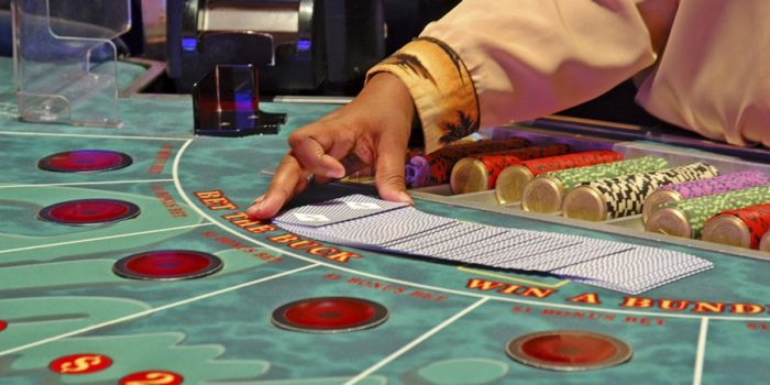 How to Play Baccarat, Slots And Roulette in an Online Casino